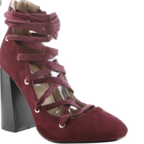 dd7316076bc BNWB CAPE ROBBIN LACE-UP HEEL. Size 6. Wine-color.